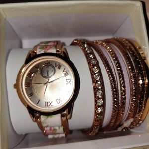 Geneva watch with 8 matching bracelets~ new in box
